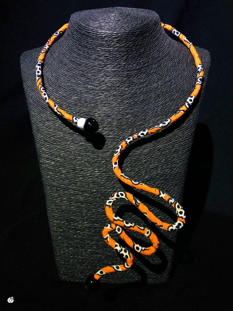 collana in filo armonico e african wax