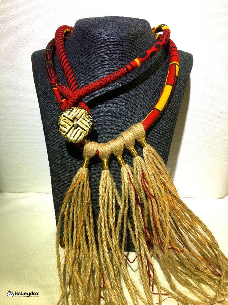 collana etnica in african wax e canapa con inserzioni